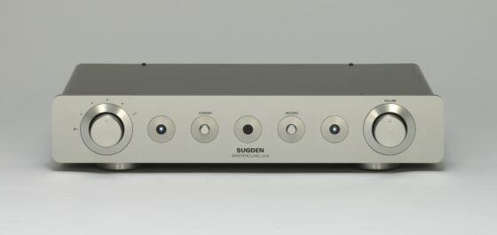 > Sugden Audio Masterclass LA-4 Class 'A' Line Pre-Amplifier